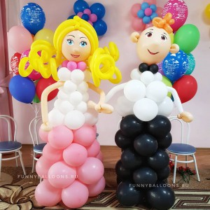 Девочка и мальчик из воздушных шаров